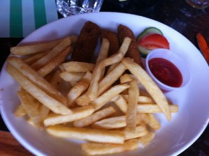 Children's fishfingers and chips at Frankie and Benny's