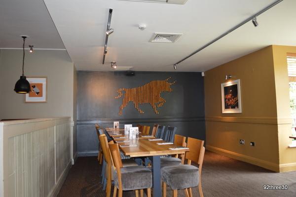 decor beefeater restaurant