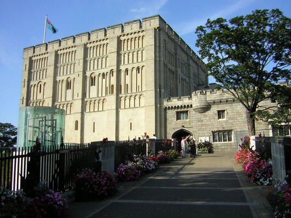 Walks begin in front of the picturesque Norwich Castle (image source: Ben Ward via Flickr Creative Commons)