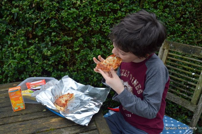 outdoor pizza picnic