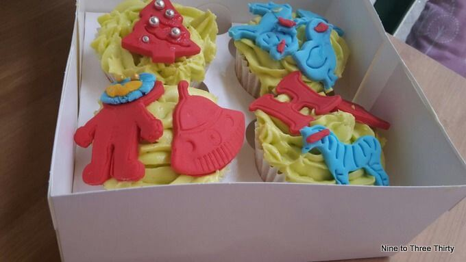 spaceman cakes