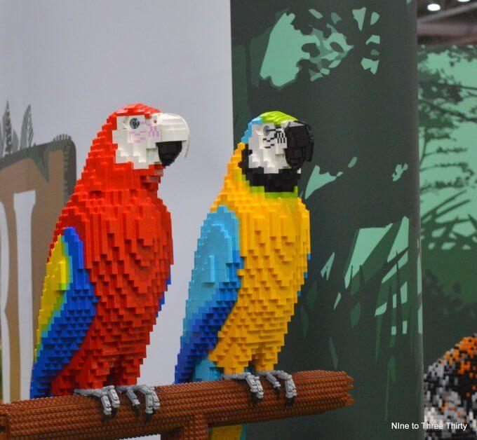 parrots from lego