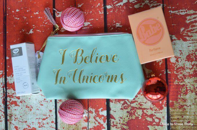 I believe in Unicorns toilet bag