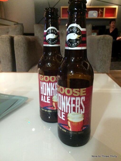 bottle of Goose Island Honkers Ale