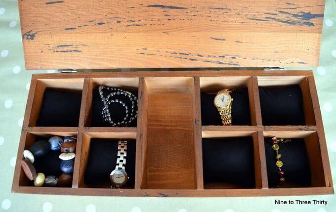 inside personalised watch storage box