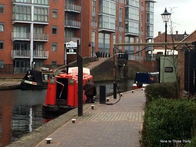 refuelling canal boat