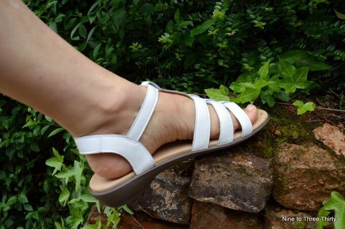 hotter shoes sandals white
