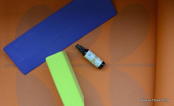 utama spice yoga mat spray