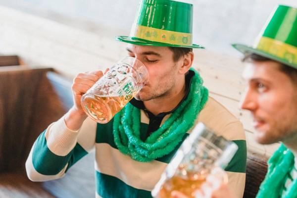 irish drinkers